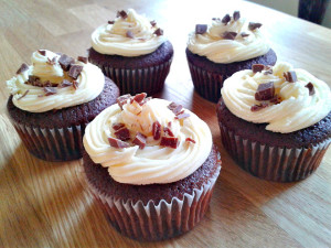 https://www.theculinaryjumble.com/2015/03/05/mint-choc-chip-cupcakes/