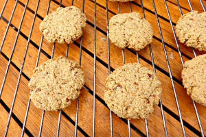 Healthier Oat and Peanut Butter Cookies