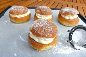 Semlor (Swedish buns)