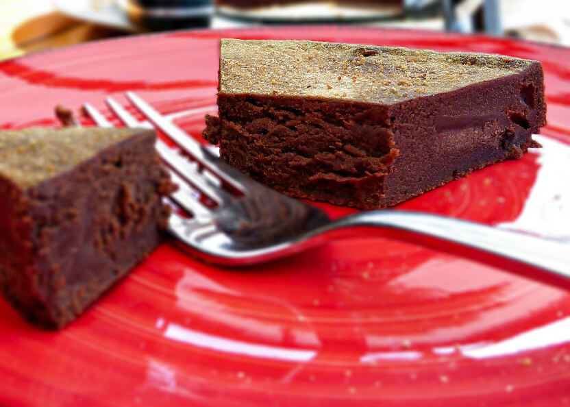 Healthier Dark Chocolate Swedish Kladdkaka (Gluten Free)