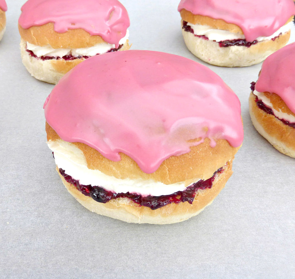 Berry Iced Cream Buns