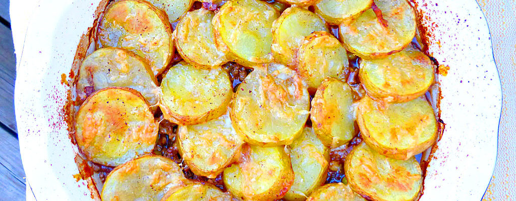 Simple Ground Beef, Onion and Potato Casserole
