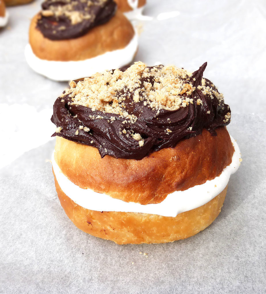 S'mores Doughnuts with Homemade Marshmallow Creme (made in an Actifry)