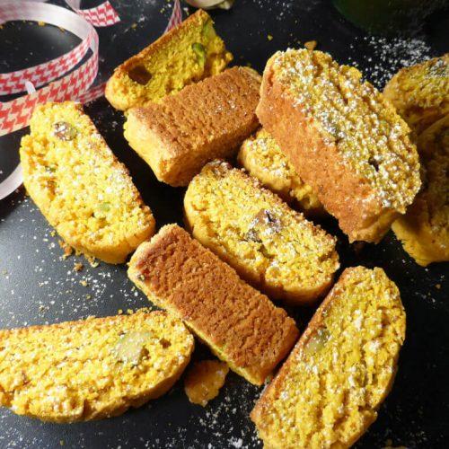 Swedish Christmas Bread.Saffron Pistachio Swedish Skorpor Christmas Biscotti