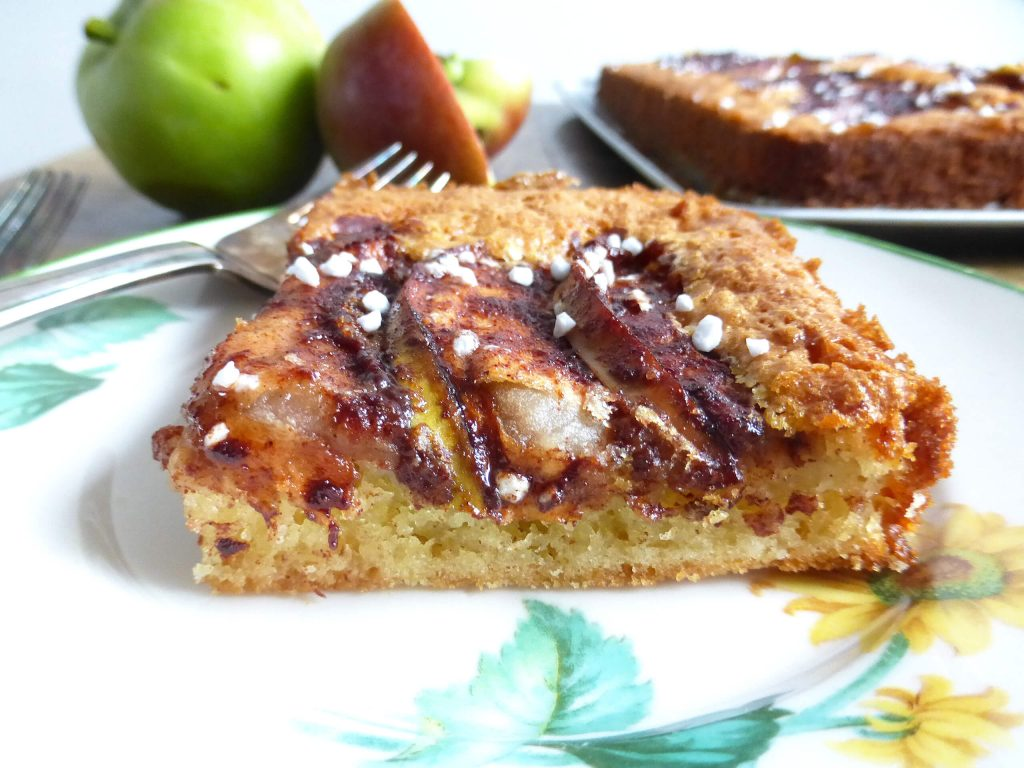 Simple Äppelkaka (Swedish Apple Cake)